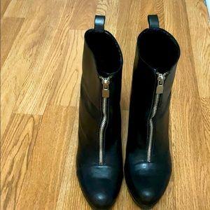 Black leather Zara booties Size 39